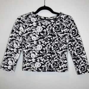 FOREVER 21 black/white floral cropped knit top S